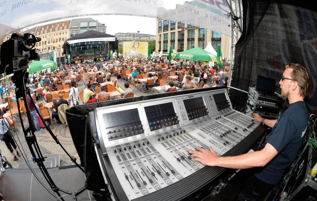 Tontechnik der Firma Sonnek im Bereich Veranstaltungstechnik